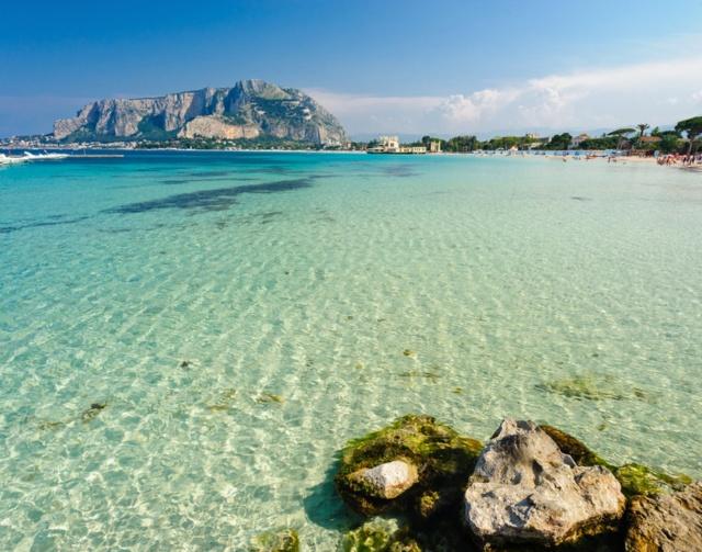 Come conoscere Nuovi Amici e Belle Ragazze a Palermo: la guida per l'Estate 2020