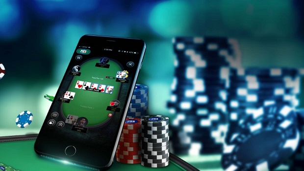 Poker online di Tom Horn e Microgaming